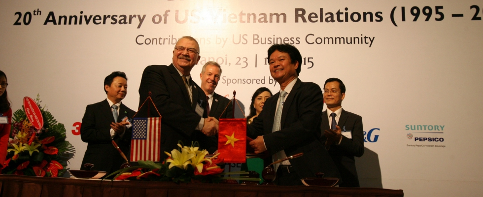 MOU Signing Ceremony between Vietnam Ministry of Health of Vietnam and US-ASEAN Business Council, November 23, 2015